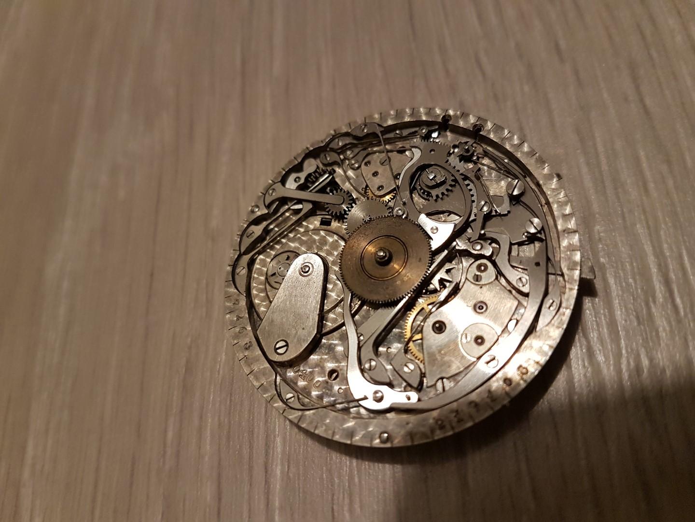 Besoin d'aide pour identifier ce qui peut clocher sur montre à sonnerie Sonnerie1