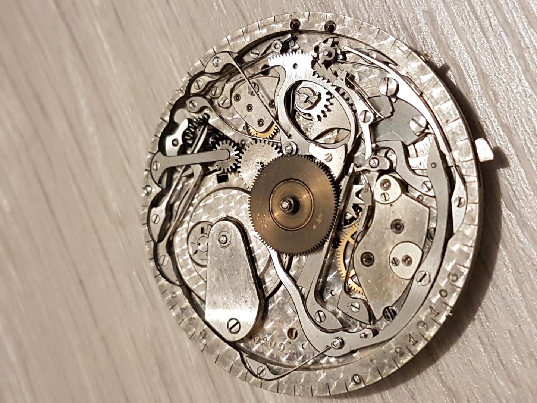 Besoin d'aide pour identifier ce qui peut clocher sur montre à sonnerie Sonnerie2